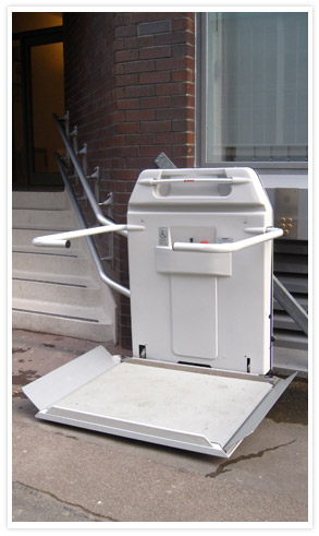 Outdoor Curved Incline Platform Lift